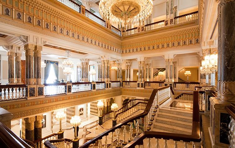 قصر سيراجان من الداخل