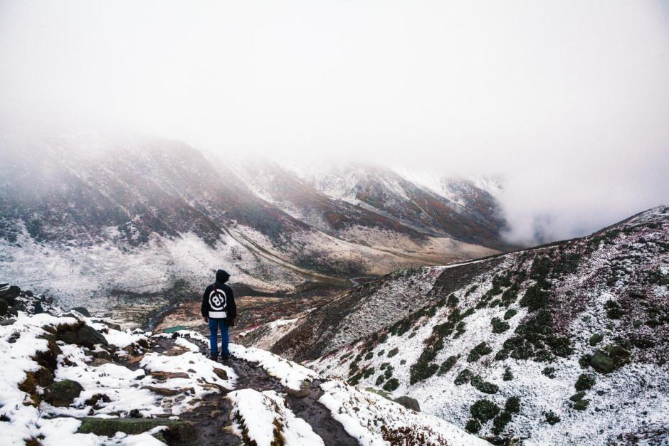 الجبال المغطاه بالثلوج