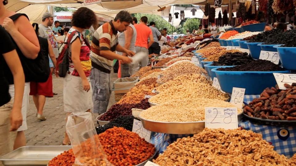 السوق المحلى