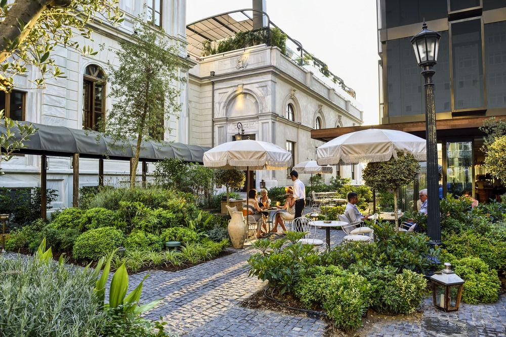 حديقة فندق سوهو هاوس