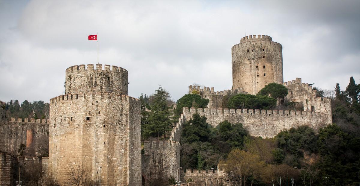 قلعة كروملى حصار