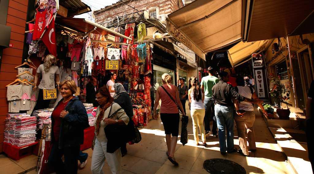 سوق محمود باشا في إسطنبول