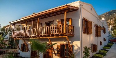 فندق Courtyard Kalkan