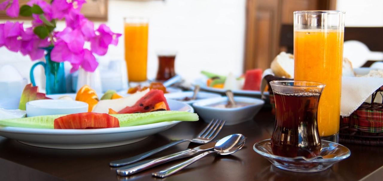 وجبة الافطار فى الفندق