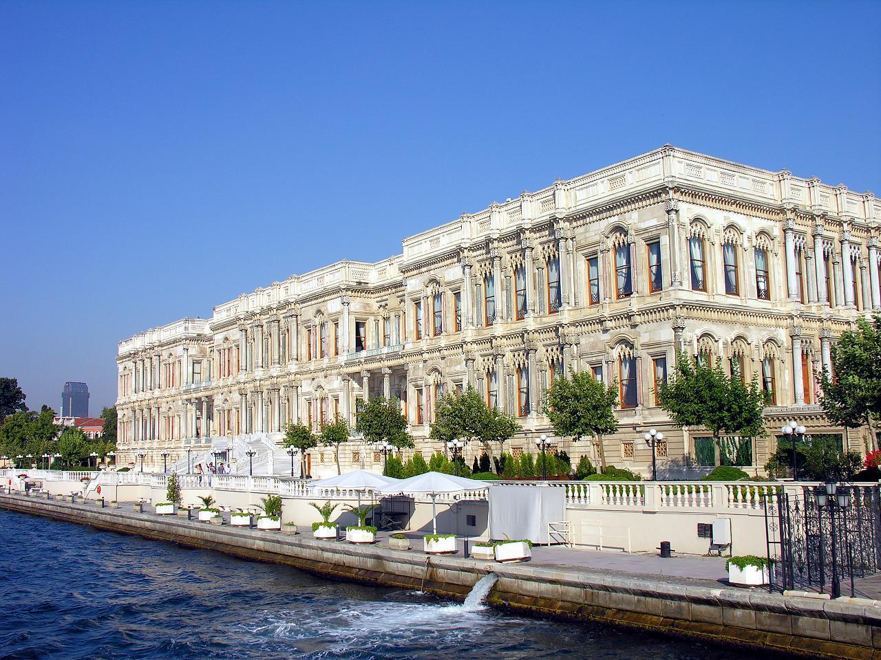 قصور السلاطين العثمانية