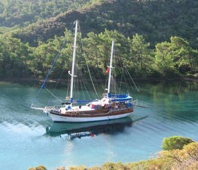 رحلة بحرية فى قارب