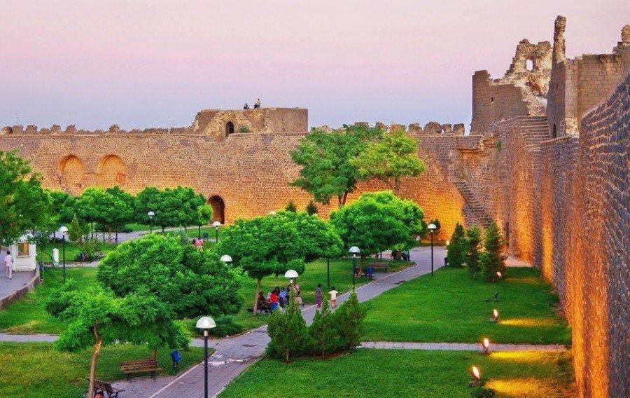 قلعة ديار بكر