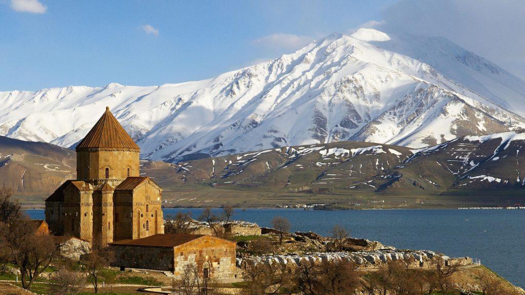 كنيسة أقدامار