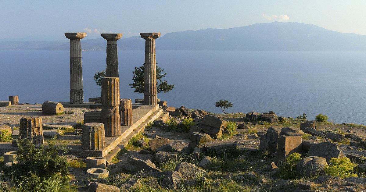 معبد أثينا فى مدينة أسوس