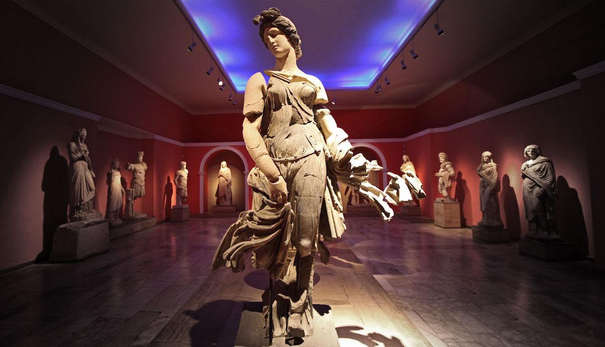 متحف أنطاليا للآثار