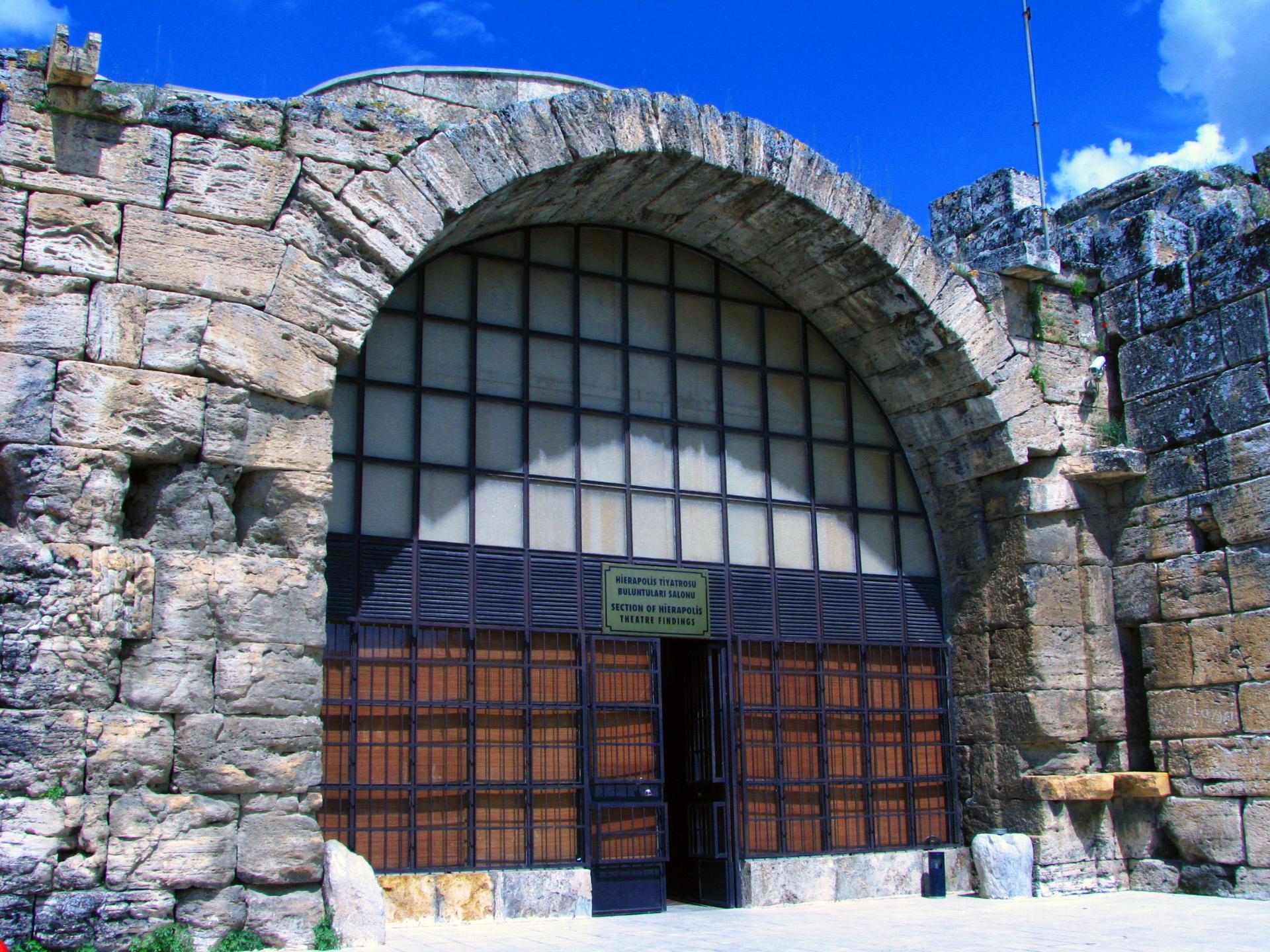 متحف دنيزلي هيرابوليس للآثار