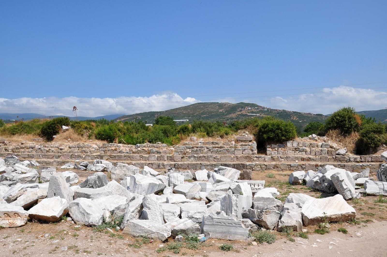 اطلال مدينة سيزيكوس القديمة